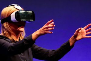 virtual-reality-cant-get-rid-of-its-dork-factor
